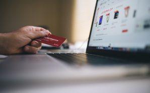 Dlaczego ludzie kupują ubrania przez internet?