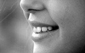 Białe zęby – jak to osiągnąć?